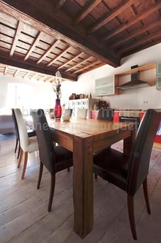 complementi-arredamento-legno-riciclato-tavolo-pranzo
