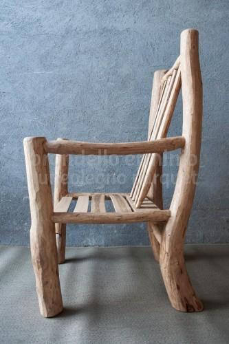 arredi-legno-riciclo-poltroncina