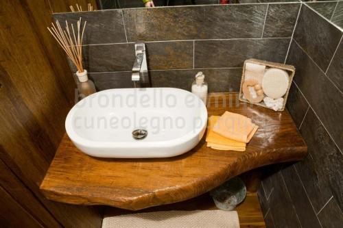 arredi-mobile-legno-riciclo-bagno