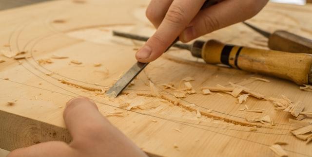 intaglio-legno-scalpello